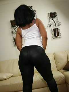Black In Yoga Pants Voyeur Ebony Fingering