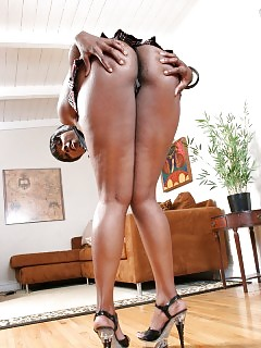 Muscle Black Women Wet Ebony